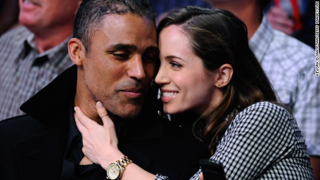 "After five years of romance, Rick Fox and Eliza Dushku have parted ways. It seems it was distance that came between the former basketball star and the ""Buffy the Vampire Slayer"" actress -- Dushku told The Boston Globe that ""Rick's an LA guy and I'm a Boston girl."" As a result, she's moved back to Beantown and plans to eventually enroll in college."