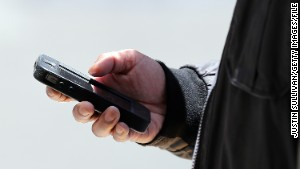 Ruling: Warrant needed to search phones