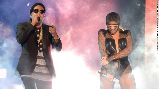 "Jay Z and Beyonce kicked off their ""On The Run Tour: Beyonce And Jay Z"" at Sun Life Stadium on June 25 in Miami Gardens, Florida. With an estimated income of $95 million, Mr. and Mrs. Carter were the highest-paid couple of 2013, <a href='http://www.forbes.com/sites/dorothypomerantz/2013/09/19/jay-z-and-beyonce-top-our-list-of-the-highest-earning-celebrity-couples/' target='_blank'>according to Forbes magazine</a>. Click through the gallery to see which other famous couples are running Hollywood."