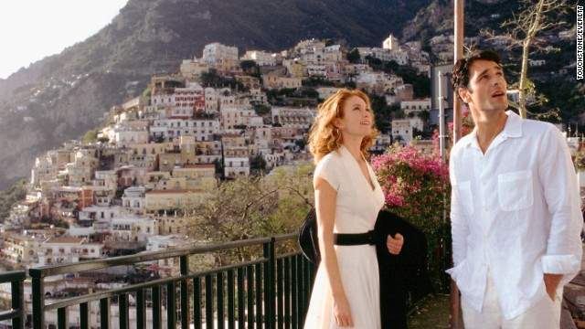 "<strong>""Under the Tuscan Sun"" (2003) </strong>- Diane Lane and Raoul Bova star in this slice of romance about a woman who flees to Tuscany after her life becomes upended. (Netflix)"