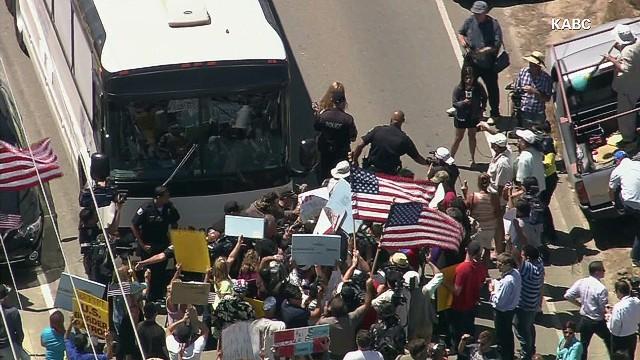 """""""Esto es una invasión"""": se tensa el debate sobre la inmigración en EE.UU."""