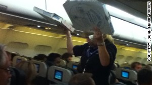 Passengers got a pizza surprise after their flight was grounded for two hours.