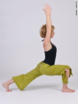 Forward lunge: Develops core stability and balance.
