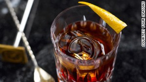 Solera-aged-Negroni at the Regent Singapore\'s Manhattan Bar.