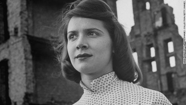 """<a href='http://ift.tt/1r492LT'>Rosemary Murphy</a>, an Emmy Award-winning actress known for her roles in the movie """"To Kill a Mockingbird"""" as well as TV soap operas """"All My Children"""" and """"Another World,"""" died July 5 at the age of 89. The New York Times cited cancer as the cause of death."""