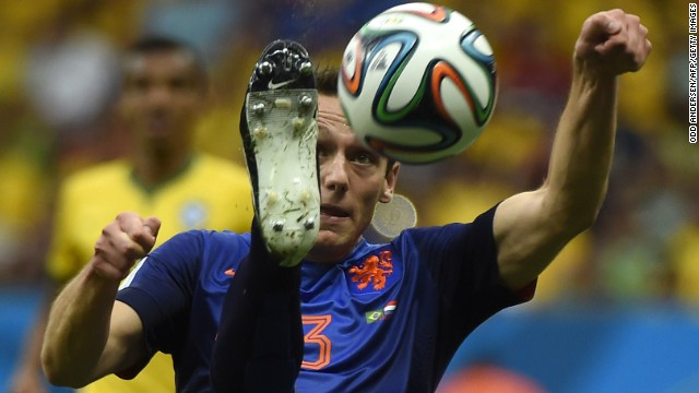 Netherlands defender Stefan de Vrij plays the ball.