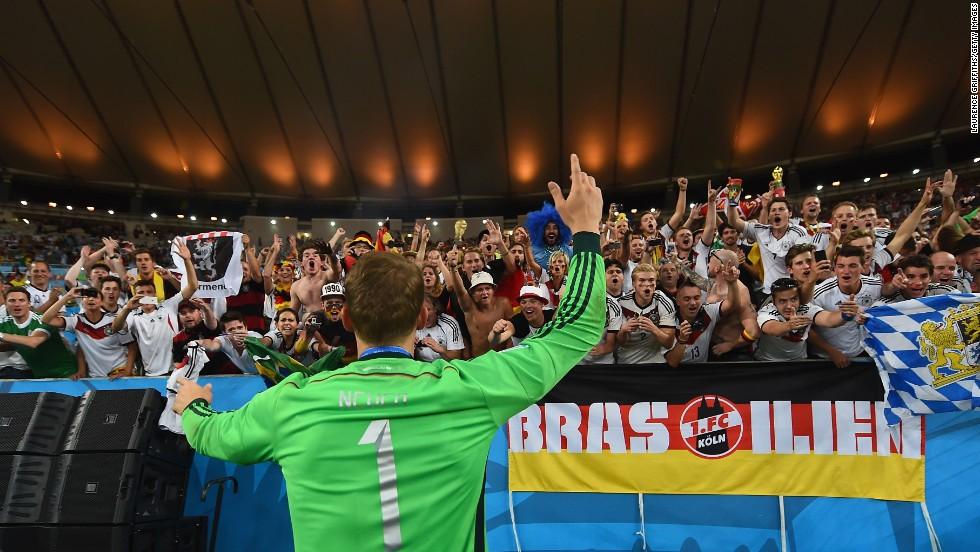 16. Manuel Neuer