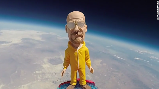 Breaking Bad regresa en un viaje espectacular por el espacio