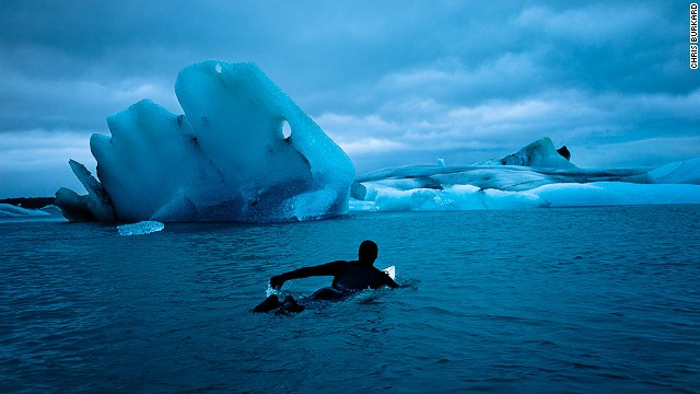 Amazing pictures of extreme surfing