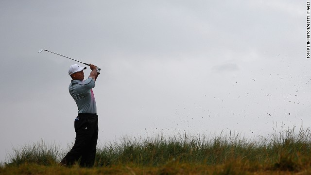 Tiger Woods struggled with consistency again during the third round of the Open Championship at Hoylake.