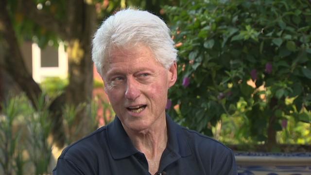 """Bill Clinton: """"Si se postula, Hillary Clinton necesita tiempo para trabajar su mensaje"""""""