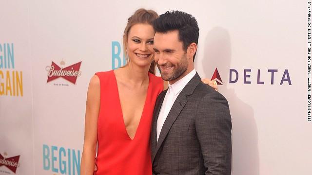 Adam Levine se casa con la modelo Behati Prinsloo en México