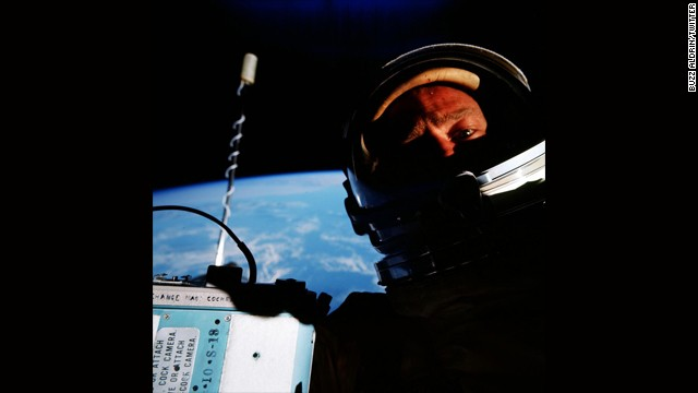 "He may be best known for joining Neil Armstrong on the historic Apollo 11 moon landing in 1969, but that wasn't the only time Buzz Aldrin had a hand in history. Three years before the moon landing, while on the Gemini 12 mission in 1966, he unknowingly made history when he <a href='https://twitter.com/TheRealBuzz/status/490293546851635201' target='_blank'>snapped the ""first space selfie."" </a>"
