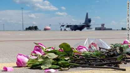 MH17 bodies arrive in Netherlands
