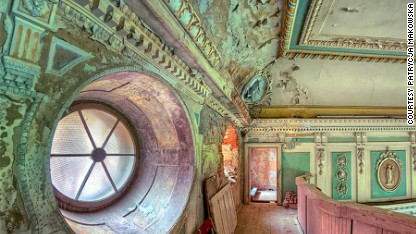 Secret ruins preserved in photos