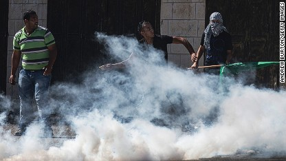 Fresh West Bank clashes break out