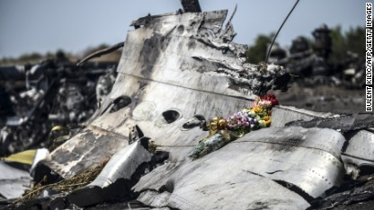 Limited access to MH17 crash site