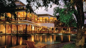 The Belmond Governor\'s Residence was once home to the ruler of Myanmar\'s southern states.
