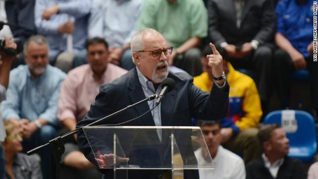 Renuncia Ramón Aveledo, secretario de la Mesa de la Unidad Democrática de Venezuela
