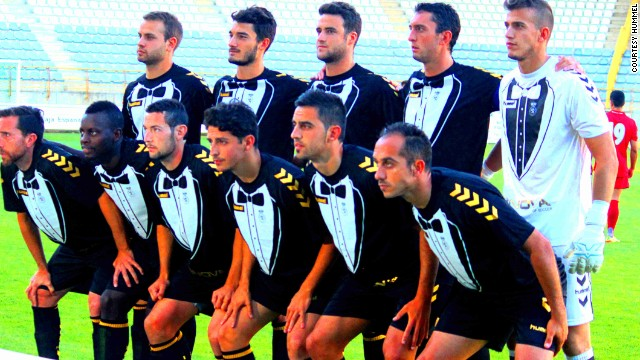 The eye-catching tuxedo kit of Spanish lower-league team Cultural Leonesa was worn by players in a preseason tournament.