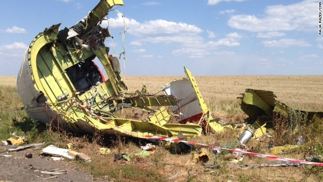 Experts reach MH17 crash site
