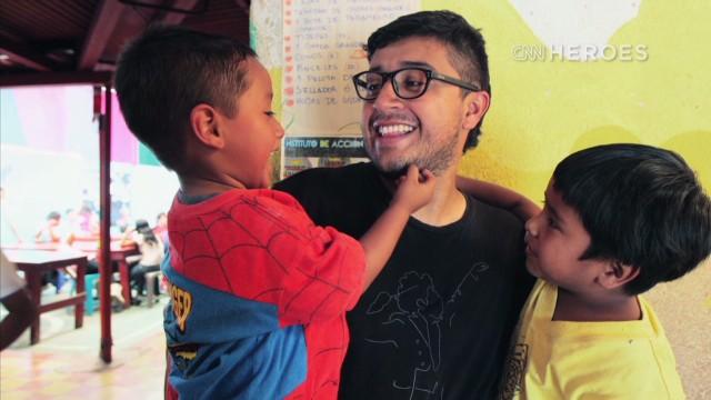 Juan Pablo Romero Fuentes: construyendo un mejor futuro para los niños de Guatemala