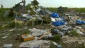 Investigators reach MH17 crash site