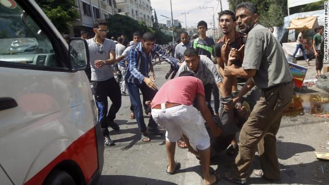 EE.UU. y ONU condenan bombardeo cerca de un refugio en Gaza