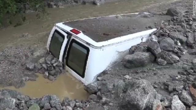 Una avalancha deja atrapadas a 500 personas en campamento de una iglesia en California