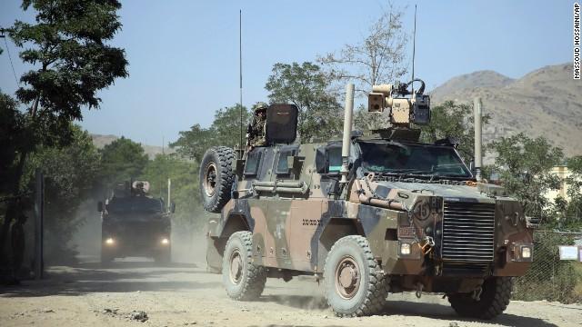 Un presunto soldado afgano mata a un general de EE.UU y hiere a 15 militares