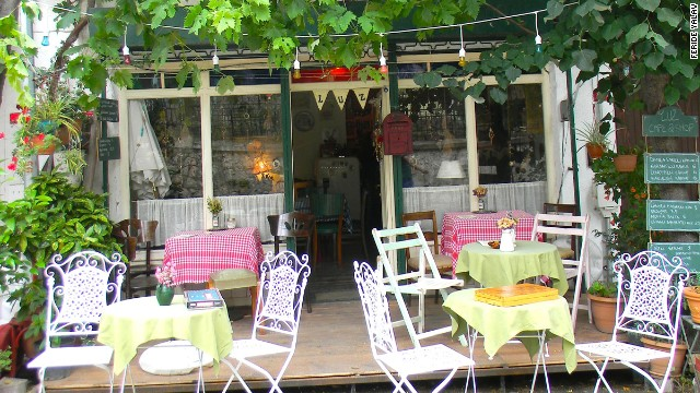 Luz Cafe, among shops on Isguzar Sokak on Heybeliada island, has a menu of homemade Turkish favorites.