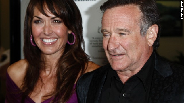 """Williams and Susan Schneider arrive at the premiere of """"World's Greatest Dad"""" in Los Angeles on August 13, 2009."""