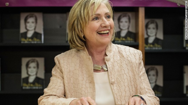 Hillary Clinton makes big political move, heads to Iowa