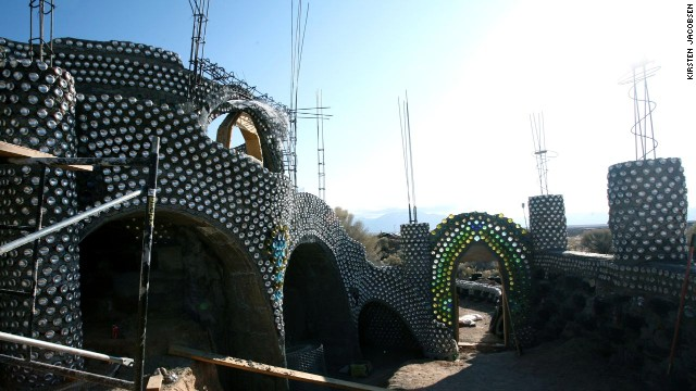 Recycled, sustainable house designs from Earthship Biotecture.