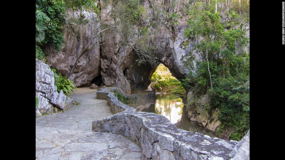 Cueva de los Portales, Cuba
