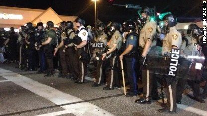 Michael Brown death: Tear gas, gunfire fly in Ferguson again