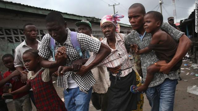 Ira, miedo y hambre en la 'zona de cuarentena' del ébola