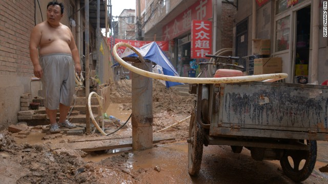 """Who would dig up wells if there's enough water? There's just no water."" Beijing residents take matters into their own hands and find groundwater near their homes."