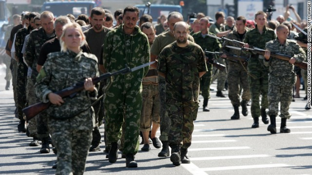 Presidente de Ucrania disuelve el parlamento y convoca elecciones para octubre