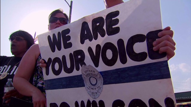 Officer Wilson supporters: Government and media choosing sides in Ferguson