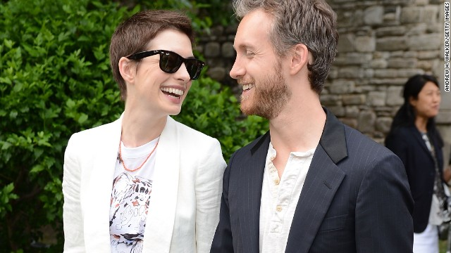 When Anne Hathaway wanted to create a low-key wedding, she made like Natalie Portman and headed for Big Sur in California. The Oscar winner didn't fully escape all eyes as she wed Adam Shulman in September 2012 -- <a href='http://marquee.blogs.cnn.com/2012/10/01/weekend-weddings-for-anne-hathaway-stanley-tucci-and-jared-followill/?iref=allsearch' target='_blank'>paparazzi caught the bride in her custom Valentino dress</a> -- but at least the walkup to her private affair wasn't publicized.
