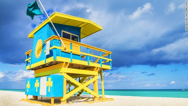 South Beach remains one of Florida's most popular beaches because of the restaurant and club scene, the fabulous Art Deco architecture and, last but not least, the beautiful beach.