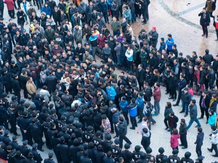 2014年2月,浙江发生的一起工人群体性事件 / Getty Image