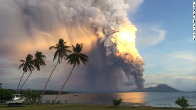 Mount Tavurvur erupts August 29 in eastern Papua New Guinea, forcing local communities to evacuate and international flights to be rerouted.