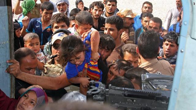 EE UU logra romper el asedio de ISIS sobre los kurdos turcos en Iraq