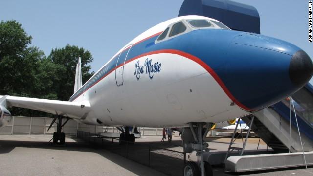 Se venden los dos aviones de Elvis Presley