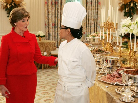 Meet the white house chef who 39 s like a 39 baseball coach for Chef comes to your house