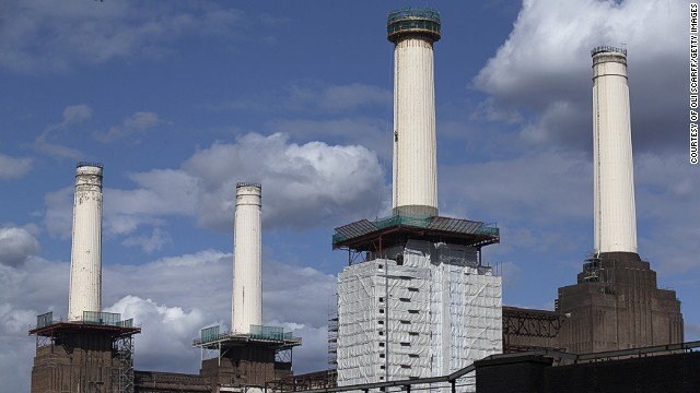 The chimneys will be torn down, but then they will be reconstructed according to the original specifications. However, the idea of destroying the chimneys has aroused intense controversy, with Londoners fearing that a piece of their heritage will be lost.