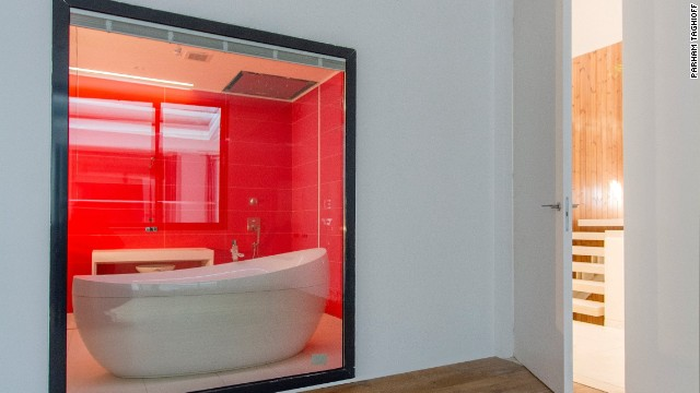 The house's luxurious bathtub.