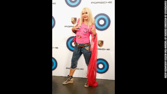 Fashion designer Betsey Johnson has always made a visual statement, and we'll see if her dancing skills match her colorful ensembles. She's partnering with pro Tony Dovolani.